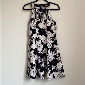 Dresses & Skirts - Flower Dress